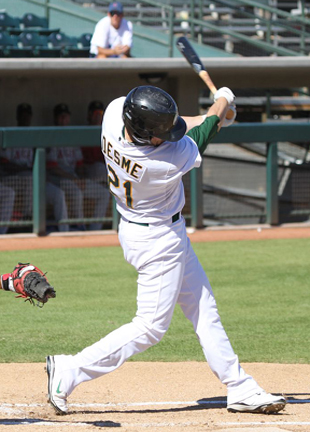 Grant Desme hits Homer at AFL 2009 - cropped.jpg